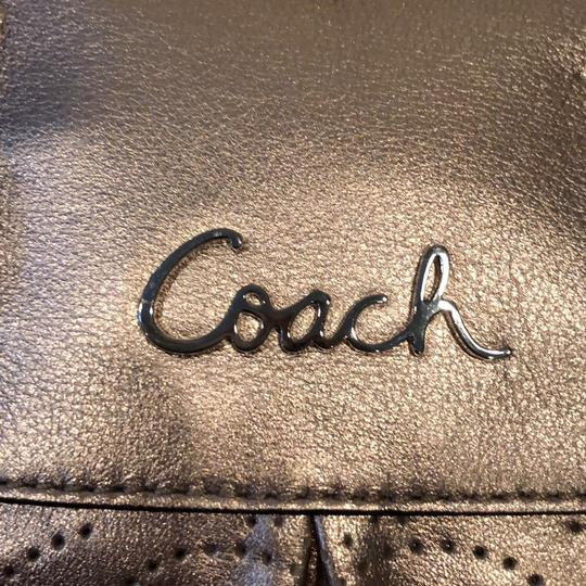 Coach Satchel in gold Image 5