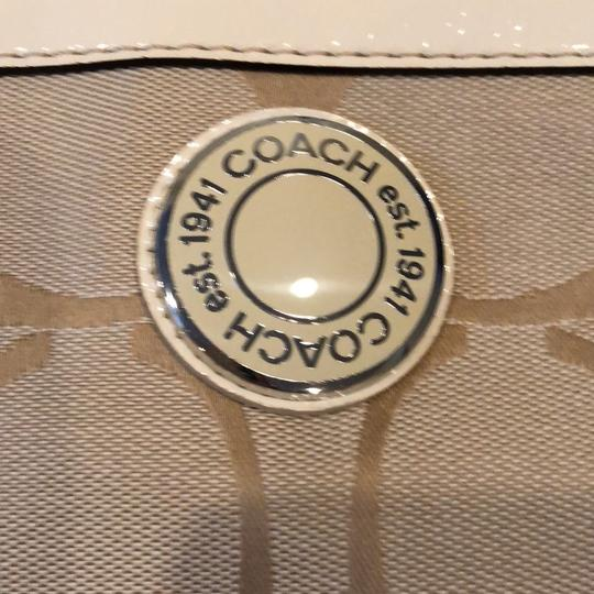 Coach Hobo Bag Image 5