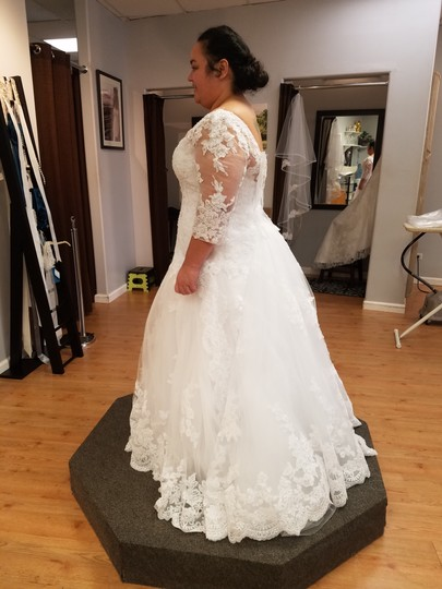 Casablanca White Alencon Lace Plumeria 2269 Traditional Wedding Dress Size 16 (XL, Plus 0x) Image 8