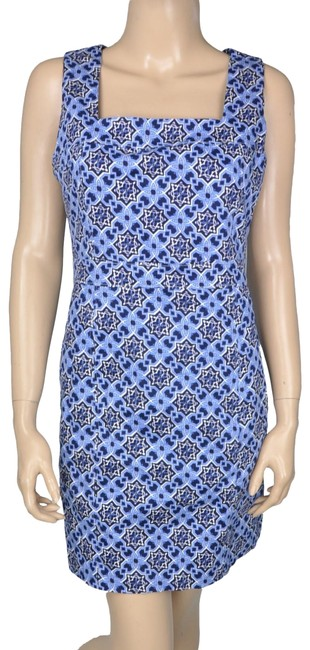 Preload https://img-static.tradesy.com/item/24374203/mm-couture-blue-white-sheath-keyhole-short-casual-dress-size-8-m-0-1-650-650.jpg