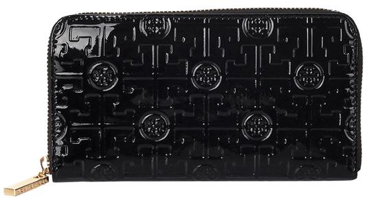 Preload https://img-static.tradesy.com/item/24374206/tory-burch-black-women-s-embossed-lux-patent-leather-continental-wallet-0-3-540-540.jpg