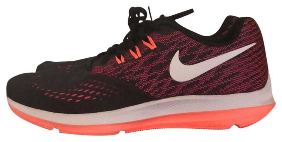 premium selection 1ca08 800b6 Nike Black and Pink Zoom Winflo 4 Sneakers Size US 9.5 Regular (M, B) 53%  off retail