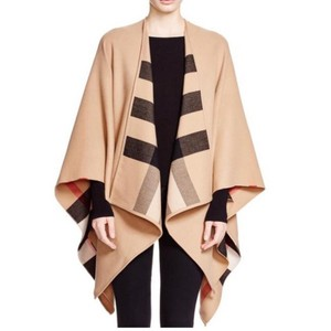 Burberry NEW BURBERRY WOOL CHECK CAMEL CAPE PONCHO SHAWL WRAP