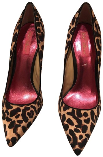 Preload https://img-static.tradesy.com/item/24381186/betsey-johnson-animal-print-pumps-size-us-85-regular-m-b-0-1-540-540.jpg