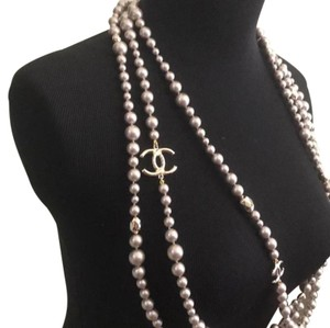Chanel 17p pearl necklace