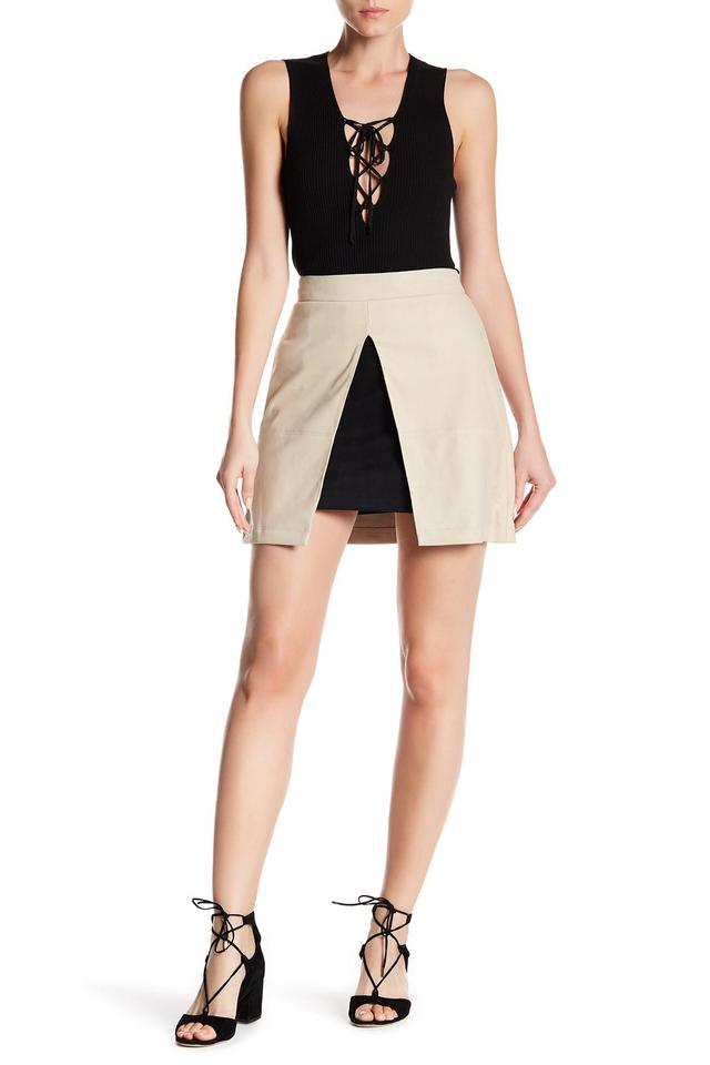 75c96a740e0 Alice + Olivia Beige Daysi Layered Suede Skirt Size 10 (M