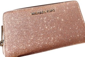 Michael Kors Michael Kors Giftable Large Multifunctional Phone Wristlet Rose Gold