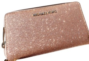 Michael Kors Wristlet in Rose Gold
