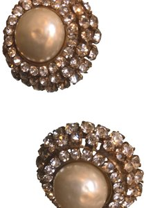 Chanel Chanel Pearl button earring