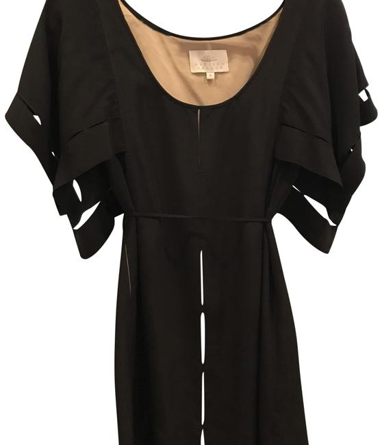 Item - Butterfly Sleeve Mid-length Cocktail Dress Size 6 (S)