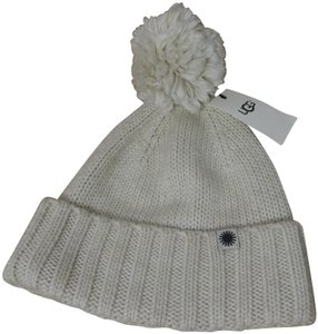UGG Australia Ugg Winter Knit Pom Cuff Hat. New with tags Ivory Color 3469a27083d