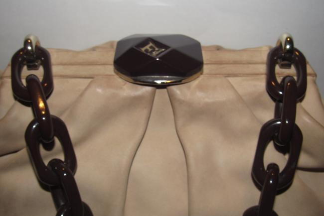 Escada Purses/Designer Purses Stone Colored Leather with A Brown Lucite Chain Strap and Clasp Fabric Shoulder Bag Escada Purses/Designer Purses Stone Colored Leather with A Brown Lucite Chain Strap and Clasp Fabric Shoulder Bag Image 6