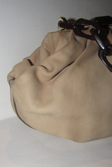 Escada Purses/Designer Purses Stone Colored Leather with A Brown Lucite Chain Strap and Clasp Fabric Shoulder Bag Escada Purses/Designer Purses Stone Colored Leather with A Brown Lucite Chain Strap and Clasp Fabric Shoulder Bag Image 10