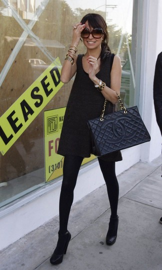 Chanel Gst Nicole Richie Vintage Patent Leather Tote in Black Image 5