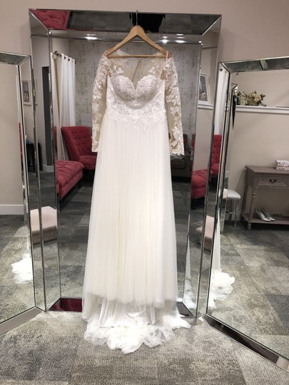 Preload https://img-static.tradesy.com/item/24388182/stella-york-ivory-nude-lace-and-tulle-6646-casual-wedding-dress-size-8-m-0-0-540-540.jpg