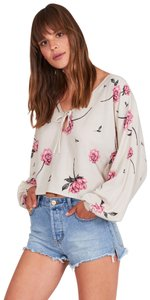 Amuse Society Flower Flowered Boho Bohemian Top cream and pink