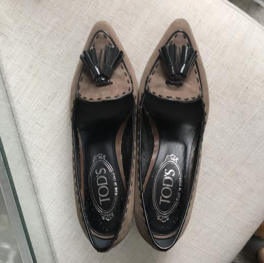 Tod's Black and Tan Pumps Image 2