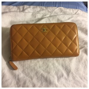 Chanel Authentic Chanel Brown Leather Zipper Women Wallet