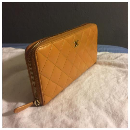 Chanel Authentic Chanel Brown Leather Zipper Women Wallet Image 2