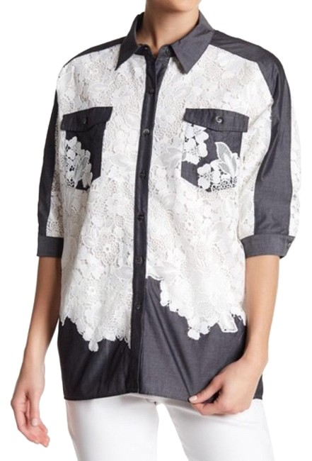 Preload https://img-static.tradesy.com/item/24390613/badgley-mischka-black-and-white-lave-button-down-top-size-2-xs-0-1-650-650.jpg
