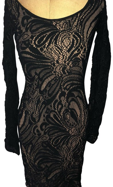 Item - Black and Nude Mid-length Night Out Dress Size 2 (XS)