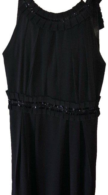 Preload https://img-static.tradesy.com/item/24390706/romeo-and-juliet-couture-mid-length-cocktail-dress-size-2-xs-0-1-650-650.jpg