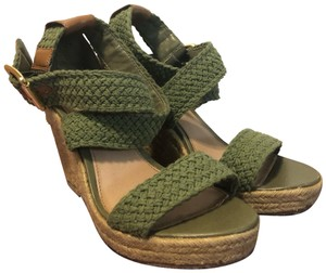 Steve Madden Army green. tan. Wedges