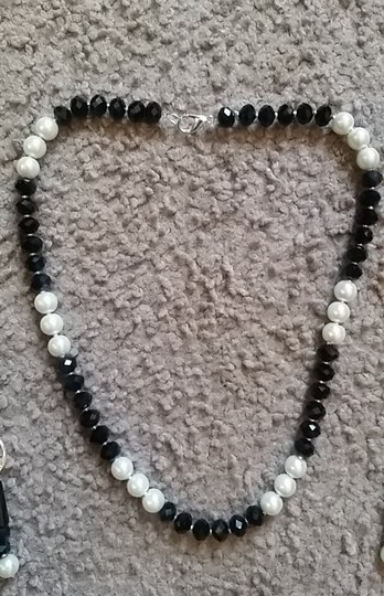 Fashion Jewelry For Everyone Black White 8mm Onyx Pearl Necklace Earrings Jewelry Set Image 6
