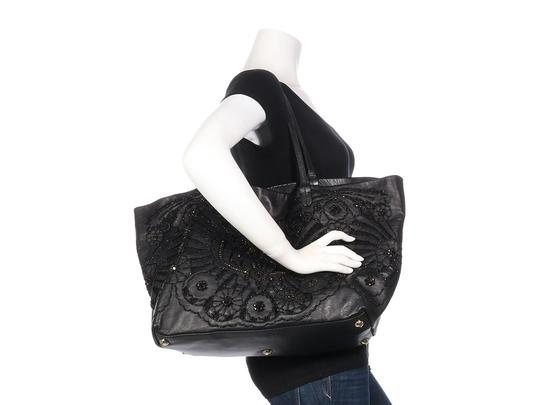 Valentino Vl.p1023.13 Floral Crystal Embellished Reduced Price Tote in Black Image 9