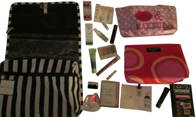 Item - Black White Dots Red Orange Pink Red 14 Pc. Cosmetic/Travel with Hanger/ Black/White/ Cosmetic Bag