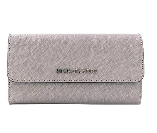 Preload https://img-static.tradesy.com/item/24391935/michael-kors-pearl-gray-jet-set-carryall-leather-wallet-0-0-540-540.jpg