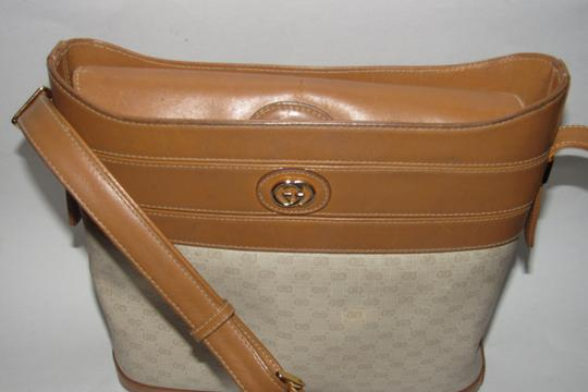 Gucci Bucket High-end Bohemian Mint Vintage & Color Rare Early Satchel in ivory coated canvas with camel small G logo print and camel leather Image 5