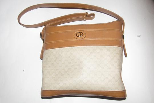 Gucci Bucket High-end Bohemian Mint Vintage & Color Rare Early Satchel in ivory coated canvas with camel small G logo print and camel leather Image 6