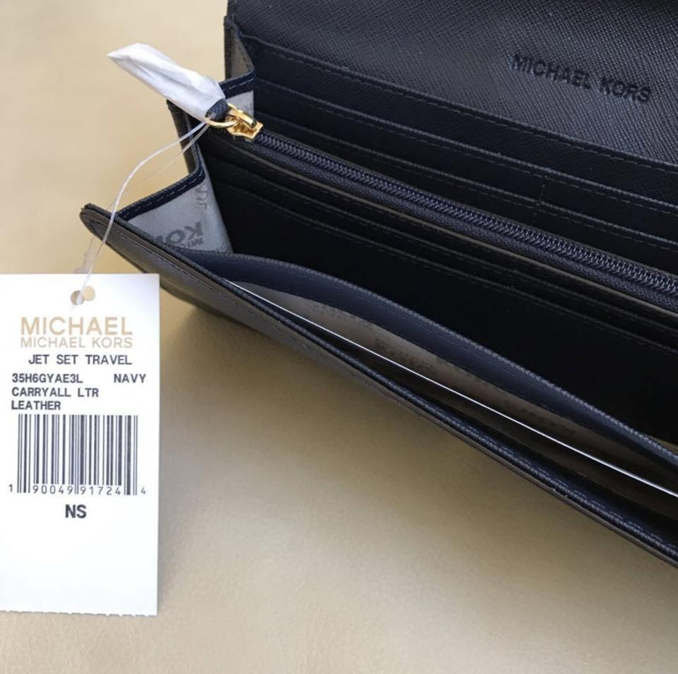3dde608c143ae1 Michael Kors Michael Kors Jet set carryall Leather Wallet navy Image 6.  1234567