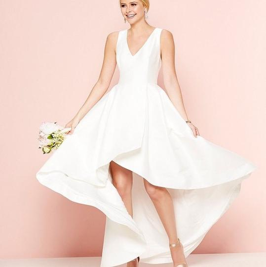 Calvin Klein Wedding Gowns: Calvin Klein Soft Ivory Tailored Ck Feminine Wedding Dress