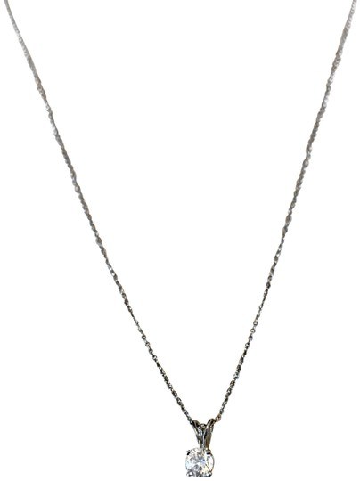 Preload https://img-static.tradesy.com/item/24395544/hearts-on-fire-white-diamond-solitaire-necklace-0-2-540-540.jpg