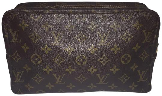Preload https://img-static.tradesy.com/item/24395722/louis-vuitton-monogram-brown-trousse-with-dust-cosmetic-bag-0-1-540-540.jpg