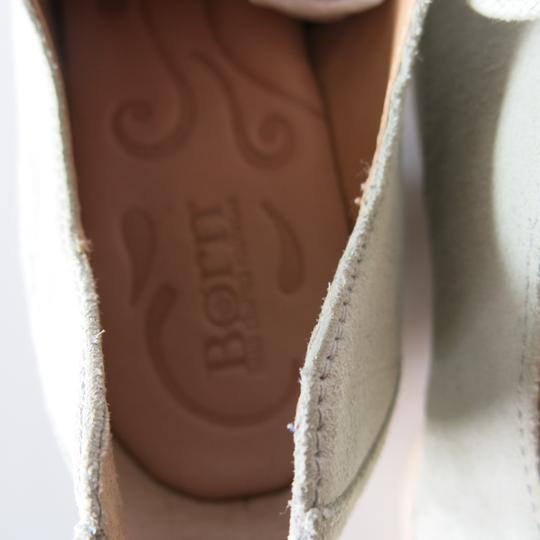 Brn Bucks Oxfords Suede Tan / White Flats Image 4