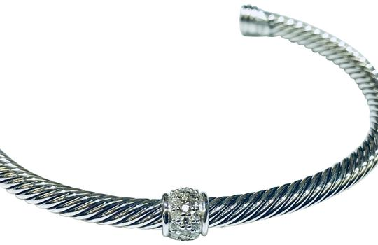 Preload https://img-static.tradesy.com/item/24396014/david-yurman-sterling-silver-single-station-classic-cable-cuff-with-pave-diamonds-4mm-022-carat-pave-0-2-540-540.jpg