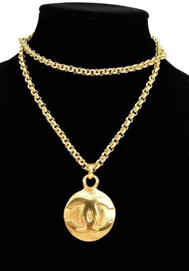 Preload https://img-static.tradesy.com/item/24396069/chanel-gold-metal-chain-and-cc-logo-dual-sided-mp-necklace-0-1-540-540.jpg