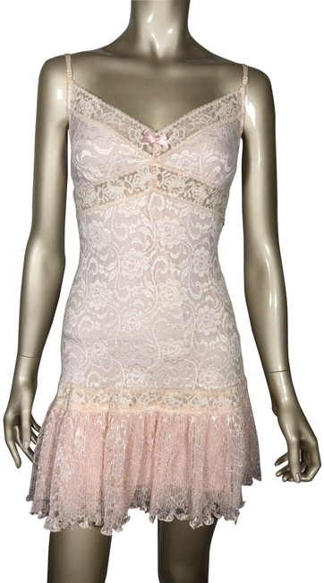 Preload https://img-static.tradesy.com/item/24396285/guess-pink-nude-collection-short-night-out-dress-size-6-s-0-1-650-650.jpg