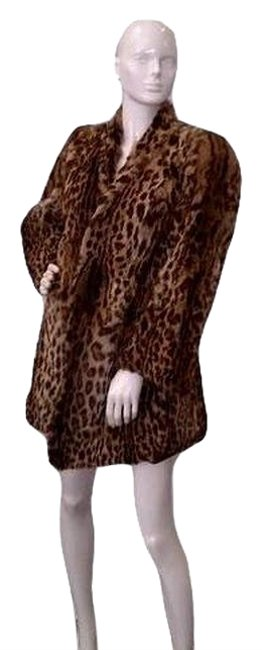 Preload https://img-static.tradesy.com/item/24396514/brown-tan-black-leopard-sku000140-coat-size-8-m-0-1-650-650.jpg