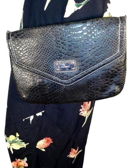Preload https://img-static.tradesy.com/item/24396962/nine-west-purse-sku-000000-3-4-black-shoulder-bag-0-1-540-540.jpg