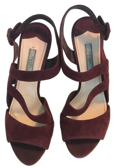 Preload https://img-static.tradesy.com/item/24397298/prada-purple-burgundy-leather-strappy-pumps-size-us-8-narrow-aa-n-0-1-540-540.jpg