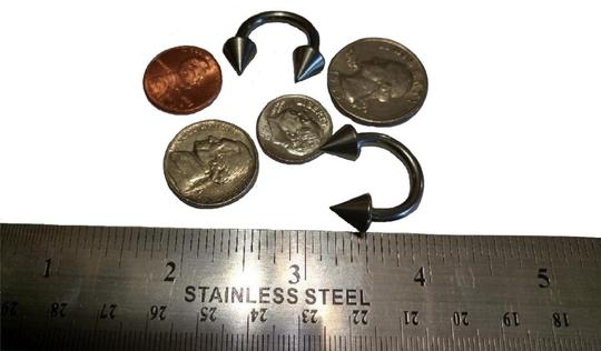 unknown Set of 2 Horseshoe Spike Barbell Rings Image 2