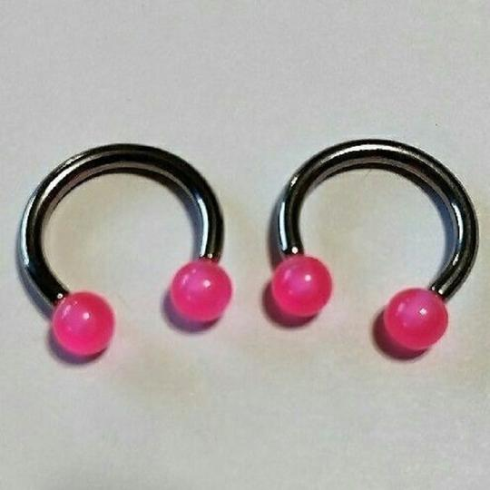 unknown Set of 2 Horseshoe Barbell Rings Pink Image 4