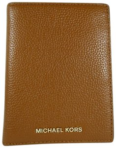 Michael Kors Leather Wallet 190049725269 Wristlet in Luggage