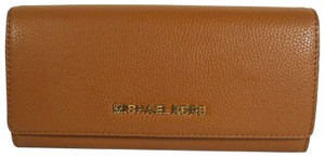 Michael Kors Wallet Leather 192317136425 Wristlet in Luggage