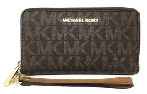 Michael Kors Pvc 191935545794 Wristlet in Brown