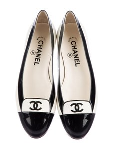 Chanel Cc Logo Patent Leather Black white Flats